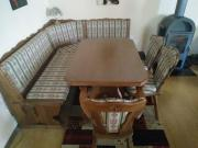 Eckbank, Drei Stühle