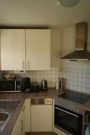 Einbauküche inklusive Kühlschrank,