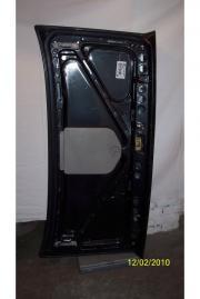 Eine Kofferraum - bzw Heckklappe m