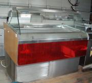 Eistheke. Kühlvitrine für
