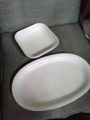 Fleischplatte und Schüssel