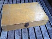 gabrauchtes Holzkästchen mit Verschlusß ca