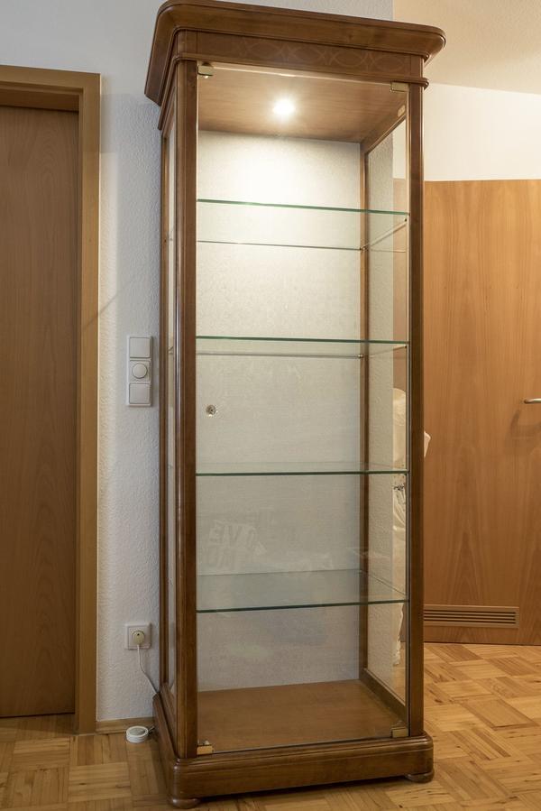 glasvitrine beleuchtung gebraucht kaufen nur 2 st bis 70 g nstiger. Black Bedroom Furniture Sets. Home Design Ideas