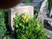 Großer Grabstein, zeitlose