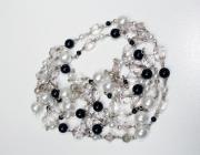 Halskette mit schwarz