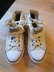 Herrn Sneakers hoch von Lewis