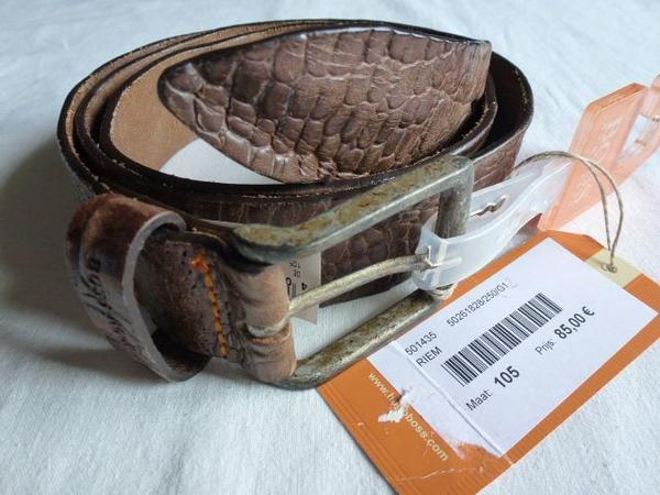 """HUGO BOSS Orange Gürtel """"Jeldrik"""" braun 105cm, gebraucht gebraucht kaufen  10409 Berlin"""