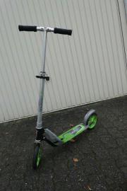 Kinderroller mit Bremse