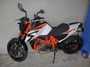 KTM Duke 690 )))
