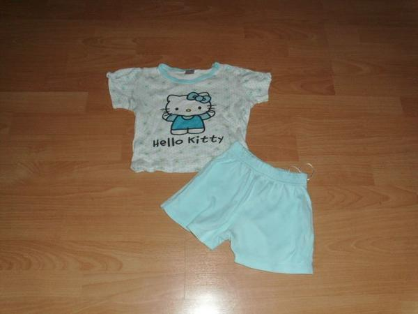Kurzer Schlafanzug mit Hello Kitty