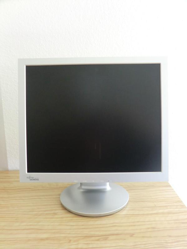 LCD Monitor - Bühlertann - LCD Monitor SCALEOVIEW C17-13MODEL: 700PS26361-K1057-V170AC100-240V, 50/60Hz 1.0AG4/T9Rev: 01Top Zustand. - Bühlertann