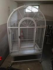 Massiver Papageien Käfig