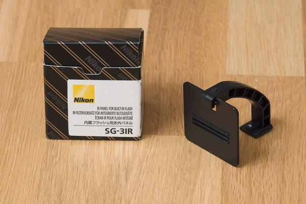Nikon IR-Filtervorsatz SG-3 IR - Aidlingen - Verkaufe meinen neuwertigen Nikon IR-Filtervorsatz SG-3 IR.Er schirmt den kamerainternen Blitz ab und verhindert so beim entfesselten Blitzen Spiegelungen auf Glas oder lackierten Flächen.Verkauf wegen Systemwechsel (Nikon D7000, Blitze und O - Aidlingen