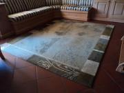 Orientteppich und Brücke aus Nepal