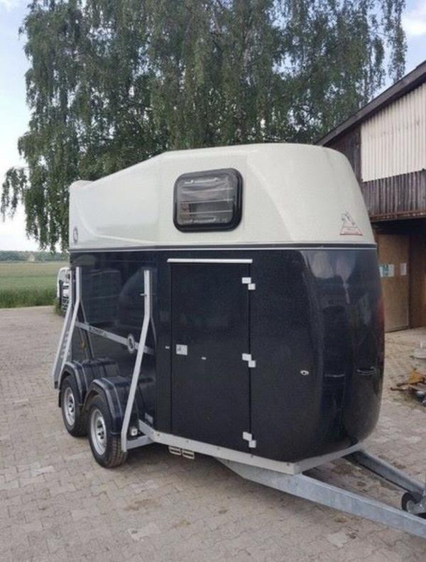 pferdeh nger blomert top diamant vollpoly schwarz pkw. Black Bedroom Furniture Sets. Home Design Ideas