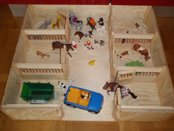 Pferdestall holz spielzeug in berlin kinder for Jugendzimmer holz