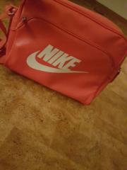 Pinke Nike Tasche