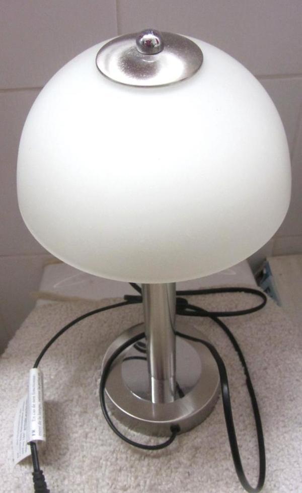 Pinwand Lampe Bilderrahmen Briefablage Bügelbrett