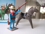 Playmobil Klicky Cowboy mit Pferd