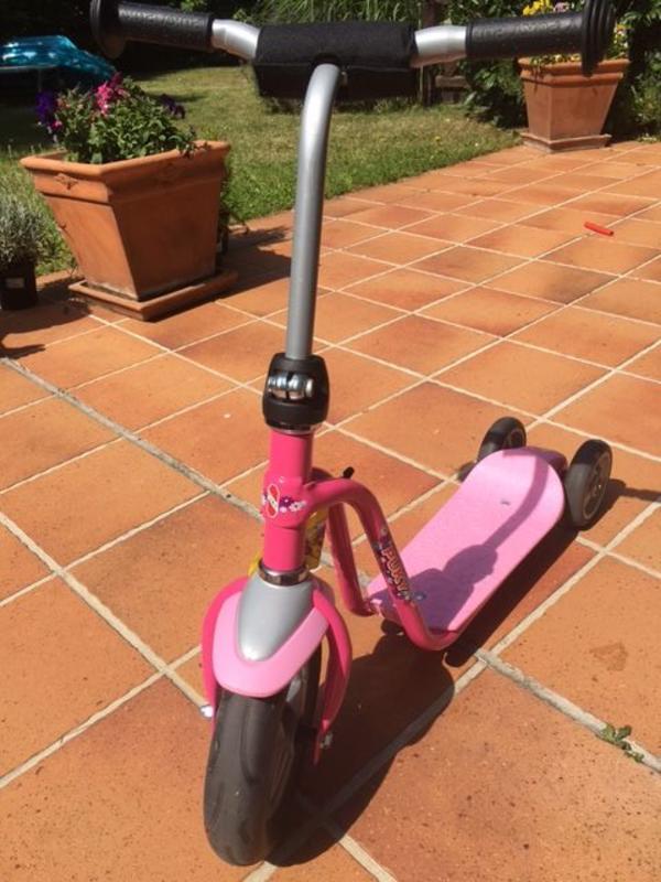 PUKY Roller R 1, lovely pink - Liederbach Oberliederbach - 1. Hand, sehr gut erhalten, da wenig genutztMotorik und Körpergefühl gleichzeitig schulen - mit dem Roller R 1 von PUKY.Der klassische PUKY Roller R 1 macht Kinder prima fit für das Fahrrad, denn er trainiert in ähnlicher W - Liederbach Oberliederbach