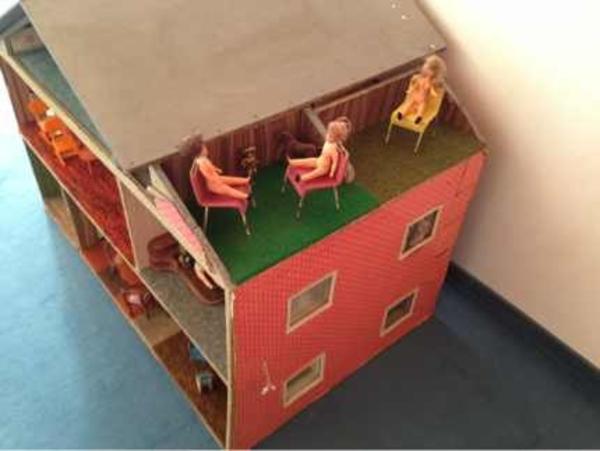 Puppenhaus 70 er Jahre 80