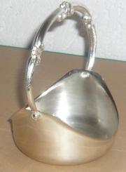Schale aus Metall