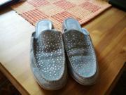 Schicke Sabots Schlappen Schuhe vorne