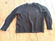 Schwarzer Pullover von