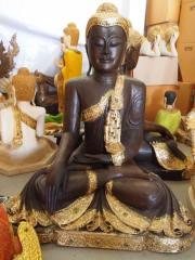 sitzender Buddha DESIGN nach Ihren