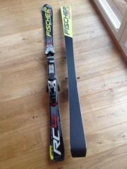 Ski Alpinski Slalomcarver