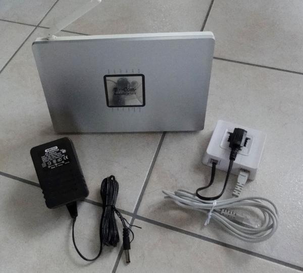 speedport w701v wlan router modem in bad homburg df modems isdn dsl kaufen und verkaufen. Black Bedroom Furniture Sets. Home Design Ideas