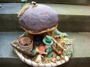 Steinpilz mit Männchen Dekoration