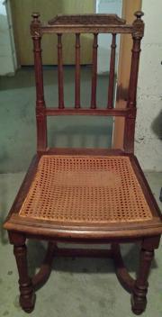 Stühle aus der