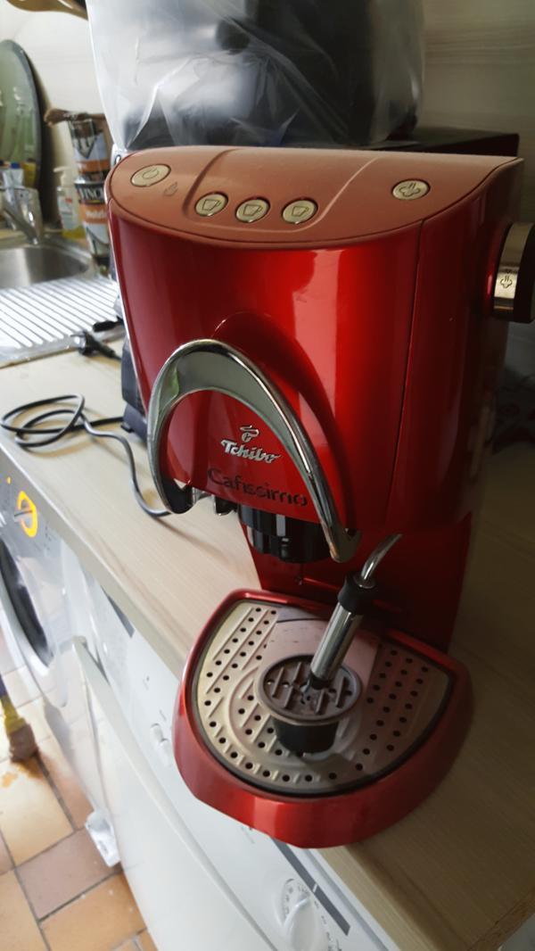 Tschibo Cafissimo und Alaska Espresso Maschine - Reckendorf - KellerfundTschibo Cafissimo und Alaska Espresso Maschine (Siebträger)Haben im unserem Keller diese beiden Geräte gefunden die dort wohl so seit ca. 3 - 4 Jahren ihr dasein fristen. ( Wir sind damals auf nen Vollautomaten umgestiegen und sei - Reckendorf