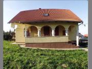 Ungarn, neuwertiges Wohnhaus
