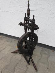 UR-Altes Spinnrad schöne Dekoration