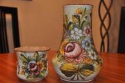Vase und kleiner Übertopf eines