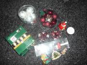 Weihnachtsdekoration Christbaum Kugeln Lichterkette etc