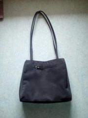 Zwei Handtaschen